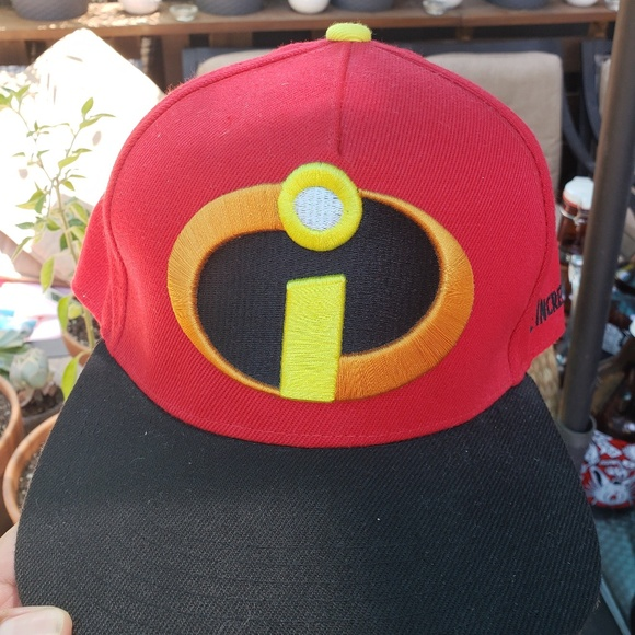 Disney Other - The Incredibles Snapback Hat 9980600687f